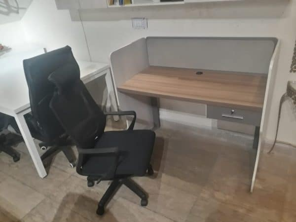 L-1588 Work Station For 1 Person